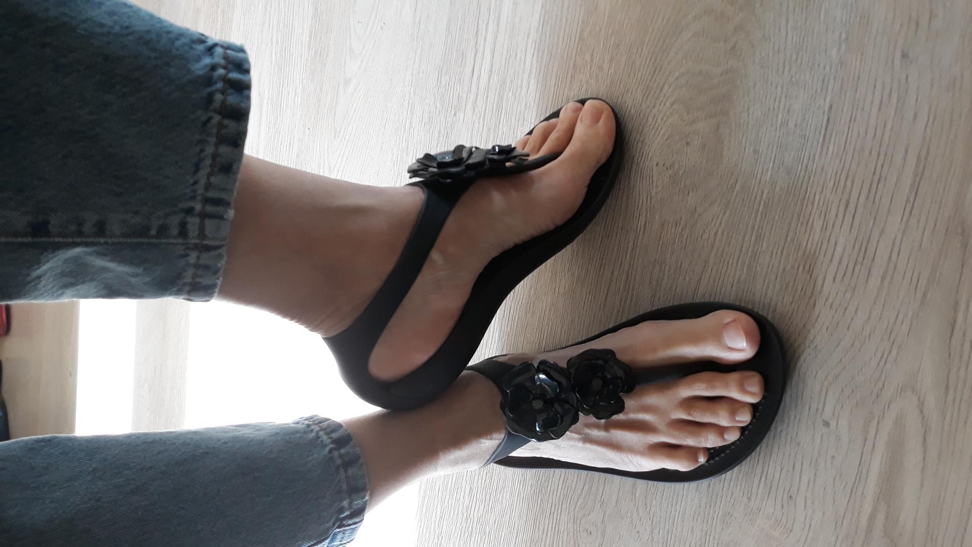 Отзыв на Женские Crocs Серена Украшенные Флип из Интернет-Магазина Crocs