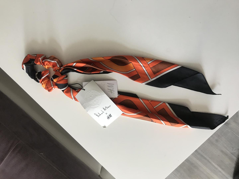 Отзыв на Резинка с Ткань деталь из Интернет-Магазина H&M
