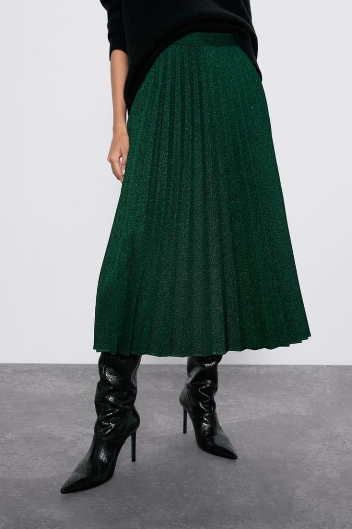 Отзыв на PLEATED METALLIC THREAD SKIRT из Интернет-Магазина Zara