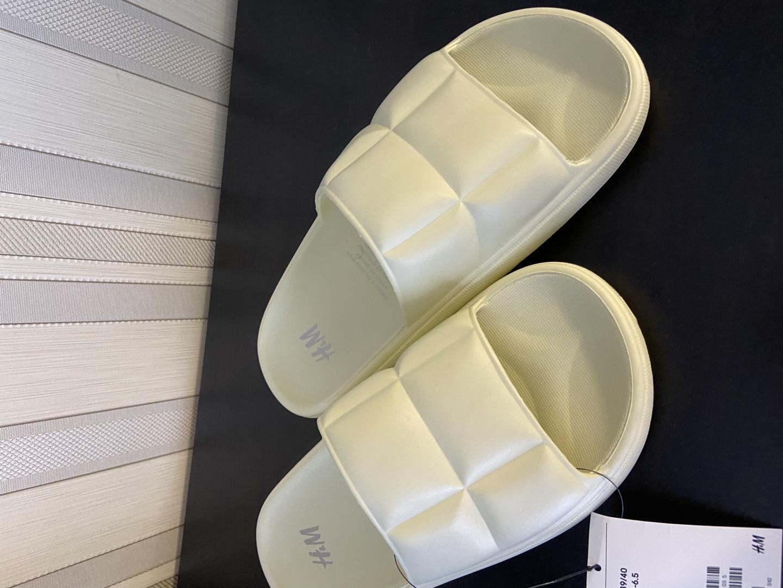 Отзыв на Gesteppte Badesandalen из Интернет-Магазина H&M
