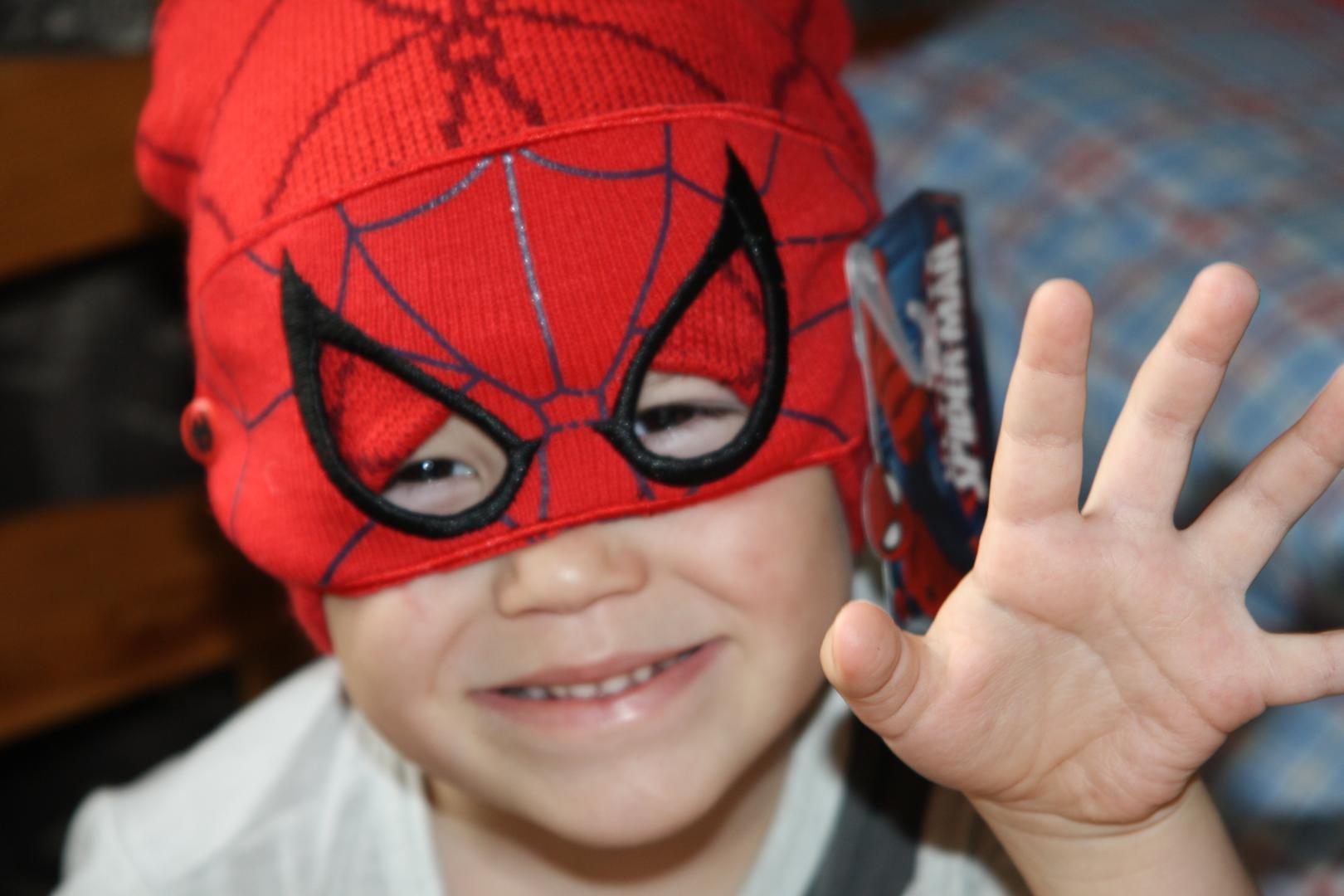 Отзыв на Character Novelty шапка Childrens из Интернет-Магазина Sports Direct