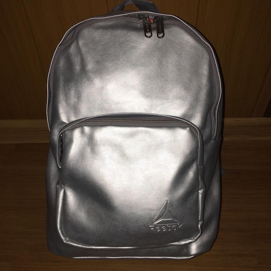 Отзыв на Металлический рюкзак из Интернет-Магазина Reebok