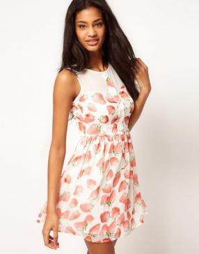 Отзыв на Перец – Короткое платье с Клубничный узор из Интернет-Магазина Asos