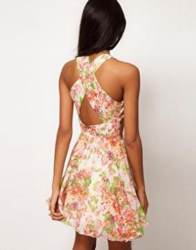 Отзыв на Love – Ситцевый, фрагмент Шифоновое Платье с Цвета радуги из Интернет-Магазина Asos