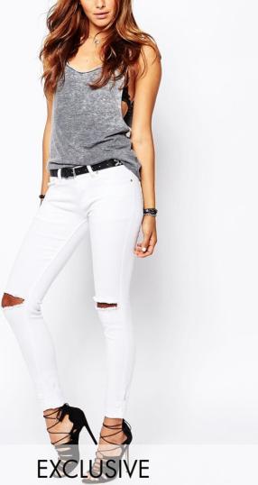 Отзыв на Ликер  Покер – Узкие джинсы с потертостями с глубокий пояс Нормальная Колено трещин из Интернет-Магазина Asos