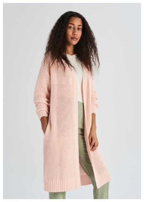 Женская одежда и обувь Скидки до 40% из магазина sinsay (Германия)