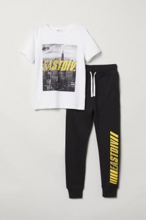 Футболка и Спортивные штаны