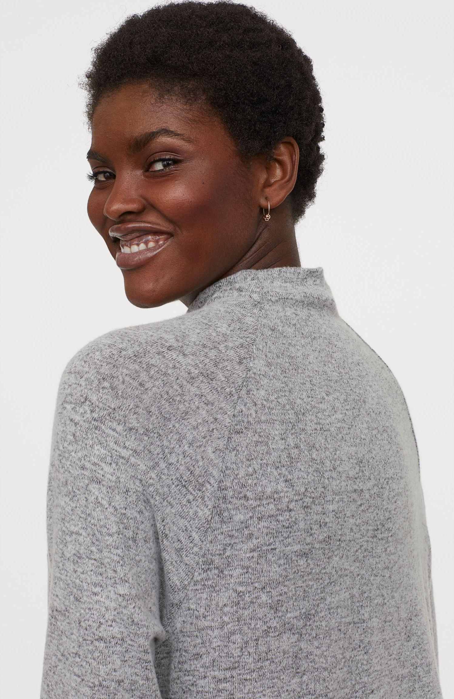 Отзыв на Платье с Водолазка из Интернет-Магазина H&M